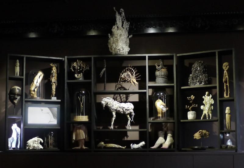expo cabinet de curiosit s contemporain la galerie da. Black Bedroom Furniture Sets. Home Design Ideas